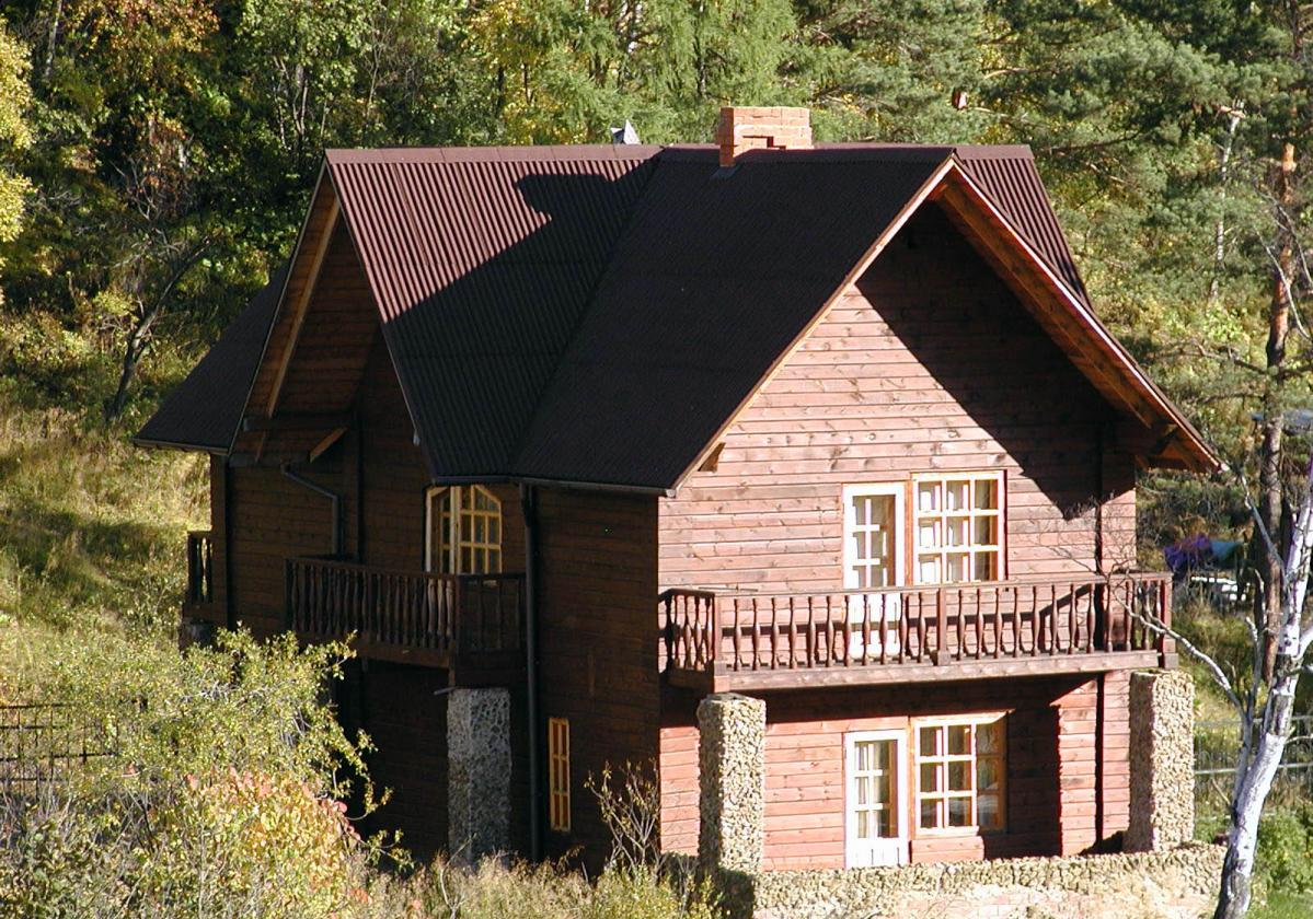 Individual wooden house